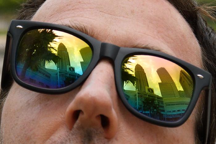 افزودن انعکاس دلخواه به عینک آفتابی