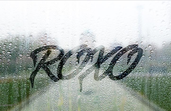 متن روی شیشه بارانی